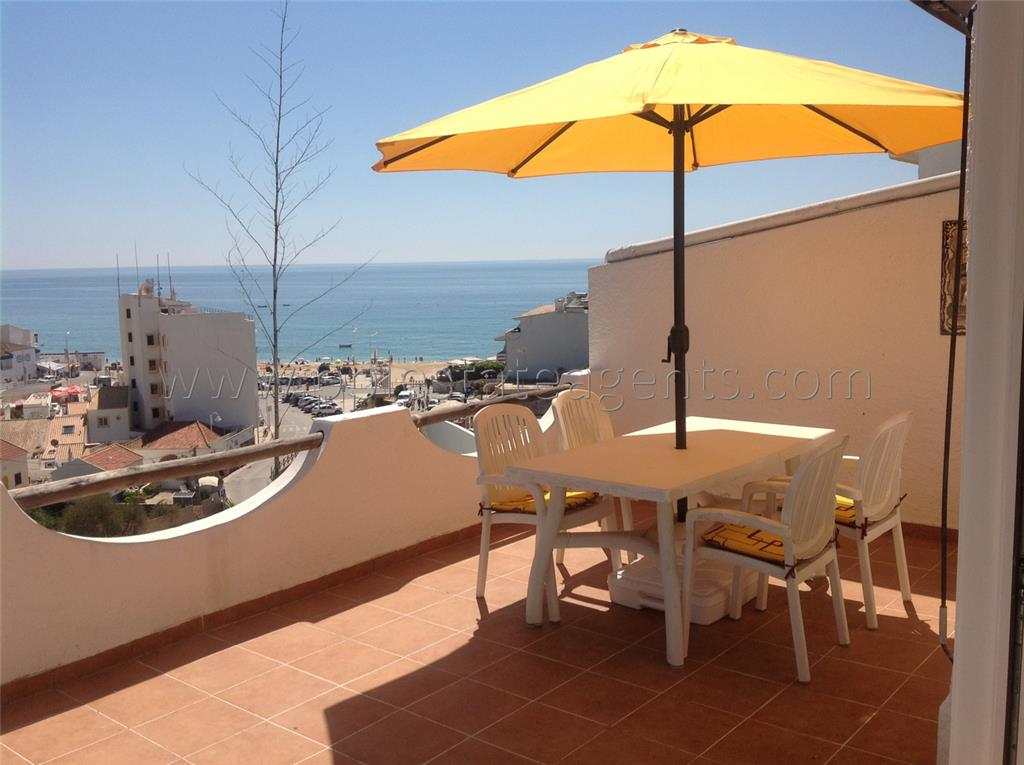 Townhouse for sale in Salema