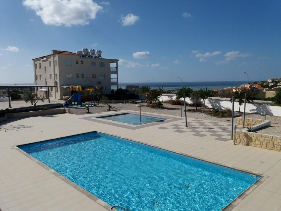 Apartment/Flat for sale in Khlorakas